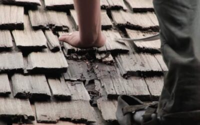 What Causes a Cedar Roof to Warp?